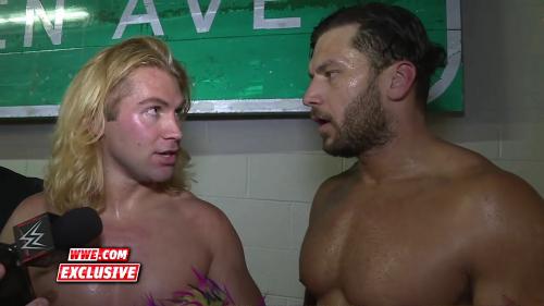 WWEレスラー ポケモンGOにはまる