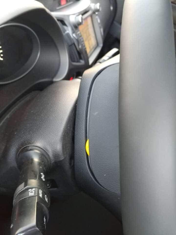 KIA自動車のハンドルが外れる