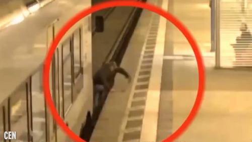 電車に巻き込まれる