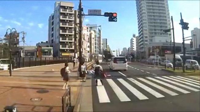 吉澤ひとみ ひき逃げをする瞬間