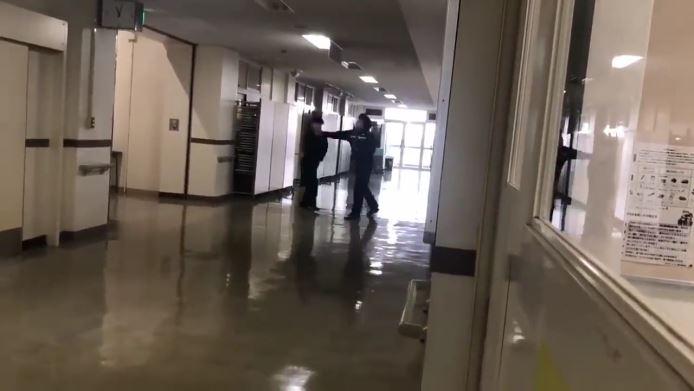 高校教師が暴行
