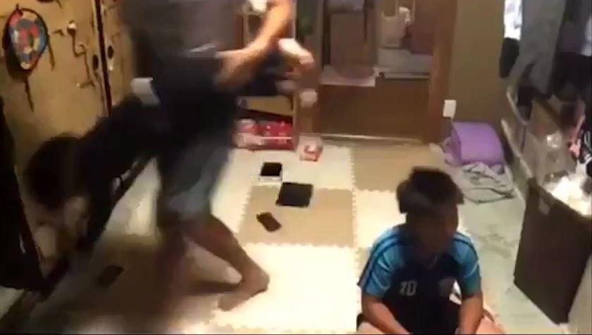 2歳児に虐待
