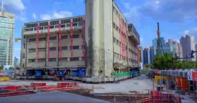 中国 5階建ての建物を動かす